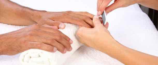 Die Schilddrüse kann kaputte Haare hervorrufen