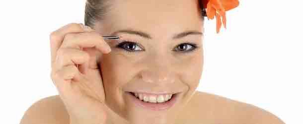 Die Kunst des Augenbrauen zu zupfen