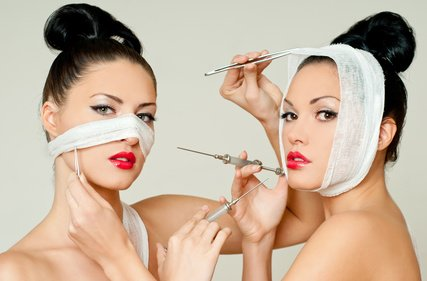 Gesicht straffen durch Gesichtslifting
