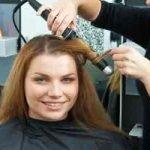 Graue Haare – Gleich färben oder dazu stehen?