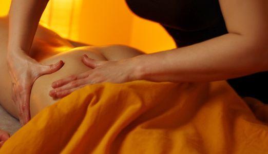 Die Knet-Roll-Massage gegen Cellulite