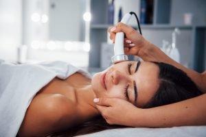Eigenes Kosmetikstudio eröffnen: Welche Produkte sorgen für Umsatz und Gewinn