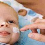 Die richtige Pflege der Babyhaut – Worauf ist zu achten?