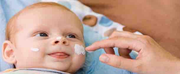 Die richtige Pflege der Babyhaut