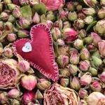Rosen Badepralinen selber machen – Rosige Kostbarkeiten