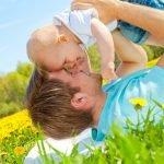 Der richtige Sonnenschutz für Ihr Baby – So wird's gemacht!